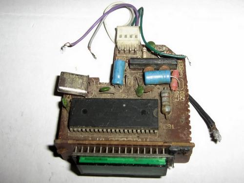P.S. В принципе, что было и сделано в эпоху перестройки диапазонов с 66-74 на 88...108 МГц, как частотомер.