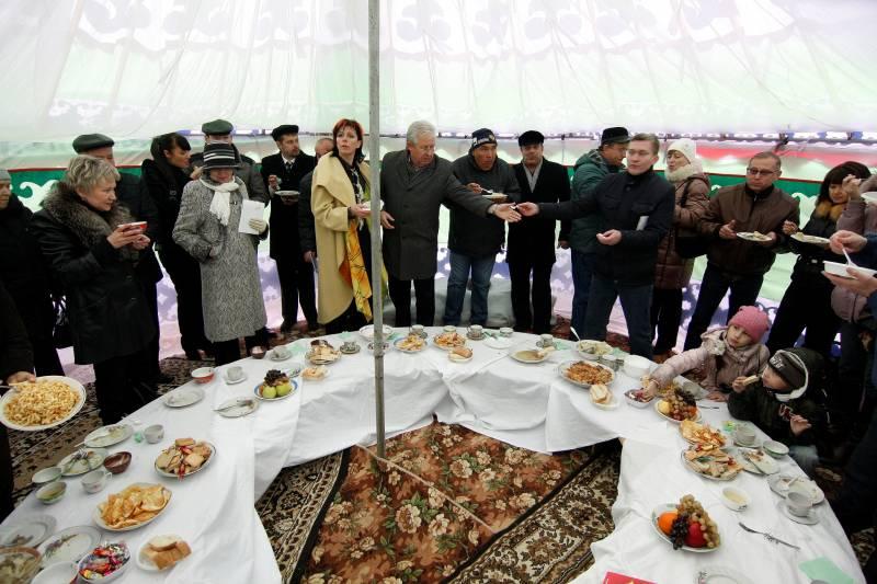 день народного единства, общий чебаркульский стол