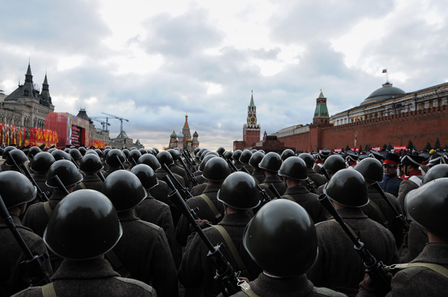 7 ноября 2012 -на Красной площади пройдет Торжественный марш