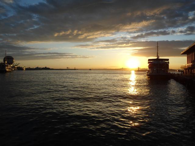 http://s1.hostingkartinok.com/uploads/images/2012/12/842760c0aedec874634f2b1e72d37bcd.jpg