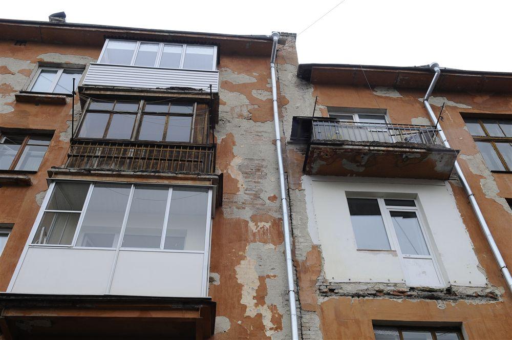 Застеклить балкон в доме хрущевке. - металлопластиковые окна.