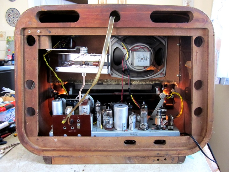 Ламповые радиоприёмники деда Панфила - Страница 5 E8a34884725833f4ce8b1ee37aaad9aa