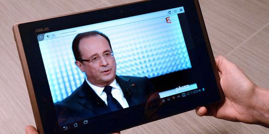Die popularität von François Hollande, stieg um vier prozentpunkte im dezember, aber immer noch auf einem sehr niedrigen niveau (17%).