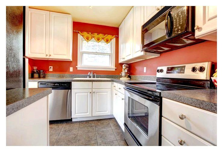 Как увеличить маленькую кухню?