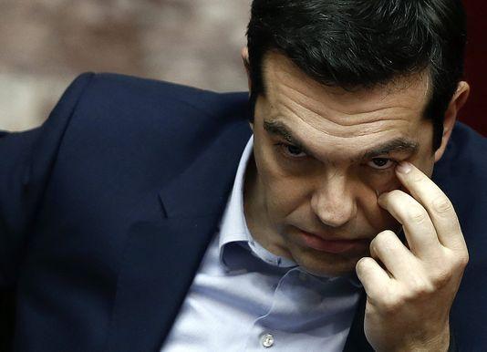 Der griechische premierminister Alexis Tsipras bereitet, sich an die abgeordneten, den 10. märz in Athen anlässlich einer tagung über die einsetzung eines ausschusses für die reparaturen der zweite weltkrieg.