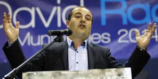 kandidaten der nationalen Front, David Rachline, kam weit vor der ersten runde der kommunalwahlen (40,3 % der stimmen).