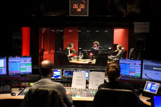 Maison de la radio. Radio France. France Inter. 5/7, die morgendliche Eric Delvaux und Catherine Boullay.