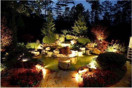 От зари до зари: освещение загородного участка