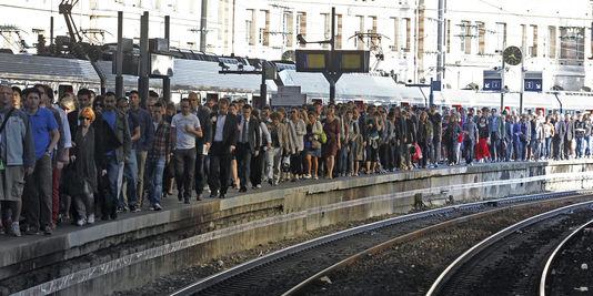bahnhof Saint-Lazare in Paris, den 16. juni, während der streik bei der SNCF.