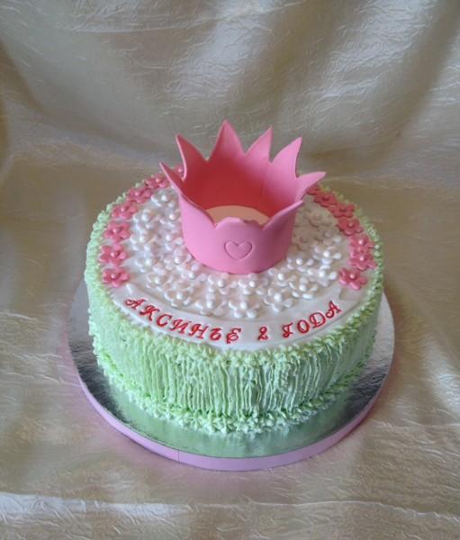 Торт с короной из крема фото