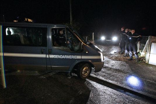 Bei einer intervention der polizei, die am wohnsitz, Maxime Hauchard, der den islam radikal, Bosc-Roger-in-la france (Eure), am 17. november.