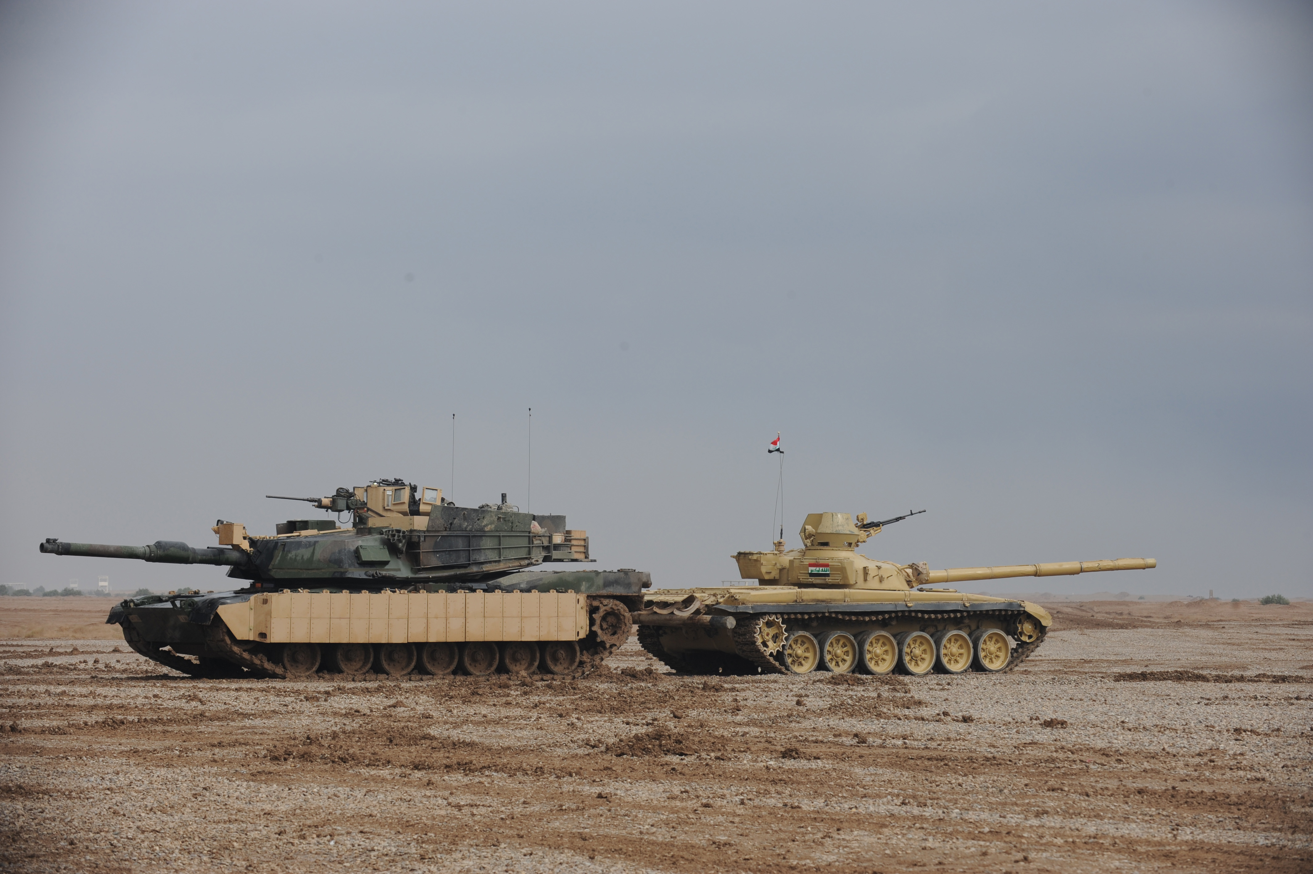 Americas Mighty M1 Abrams Tank vs Russias Lethal T90