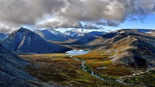 R4-ussia-Ural-Mountains.jpg