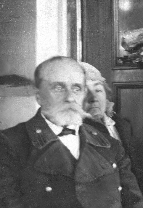 1920-1930 Пётр Мих и Мария Мих Пузановы.jpg