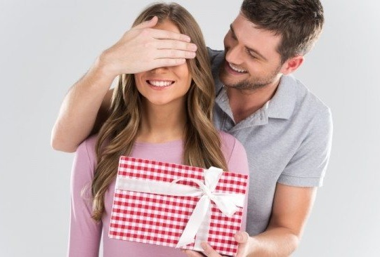 Что можно подарить жене в секс-шопе