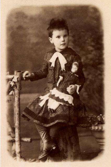 1886 Юлии Вайтенс 5лет.jpg