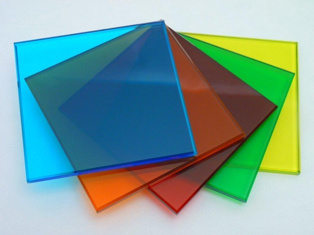 monolitnyi polikarbonat.jpg